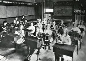 BronxvilleSchoolInterior1915
